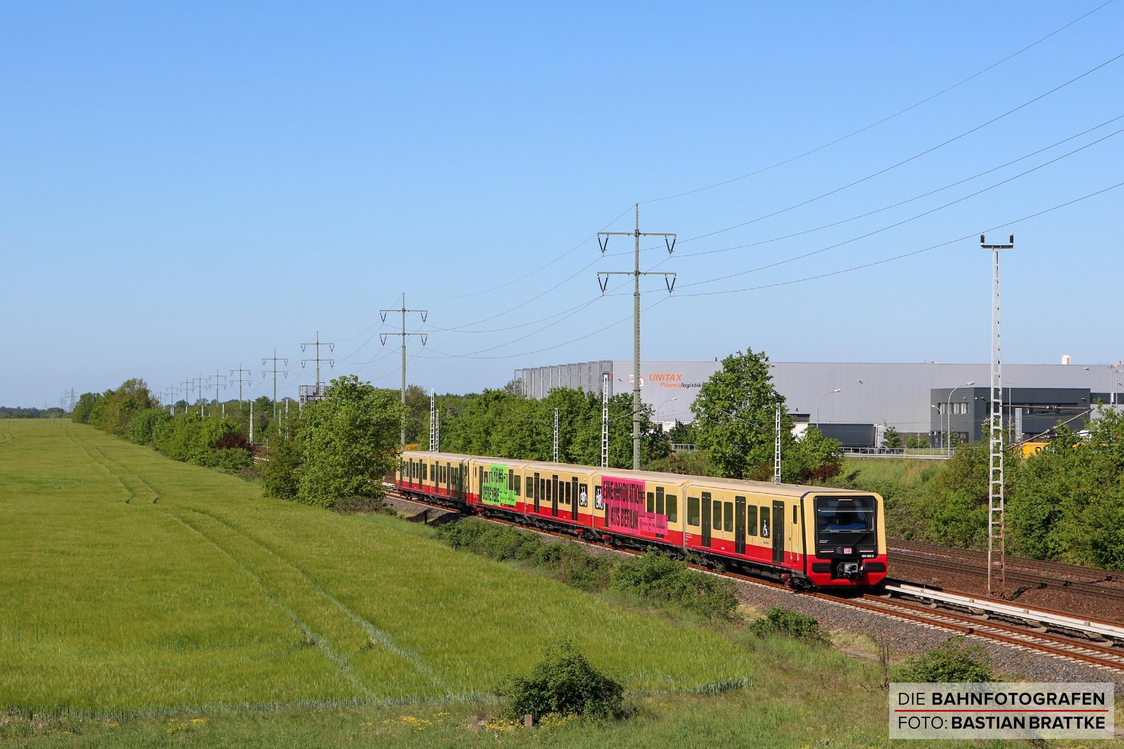 https://diebahnfotografen.de/wp-content/uploads/2020/06/484-003-483-002-Wa%C3%9Fmannsdorf-Sch%C3%B6nefeld.jpg